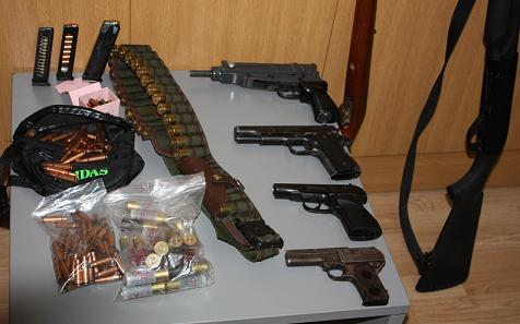 Σύλληψη 4 ημεδαπών για οπλοκατοχή